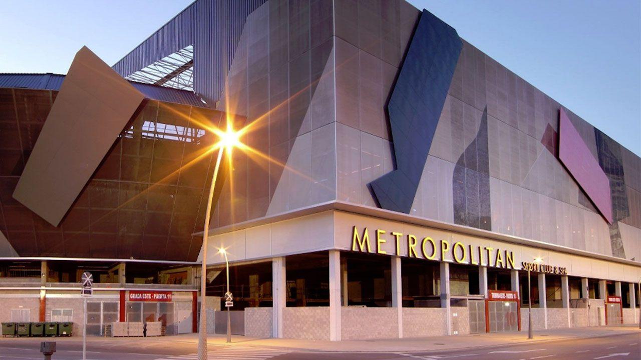 Instalaciones de Metropolitan en los bajos de El Molinón