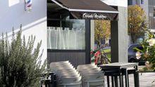 Un local de hostelería cerrado en el barrio de la Corredoria de Oviedo