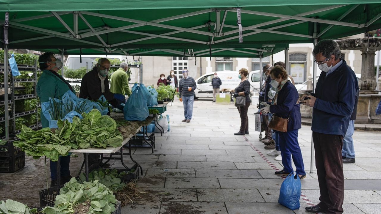 Estado del Miño a su paso por Ourense.Cerca de 10.000 vecinos de Verín fueron citados a un cribado masivo