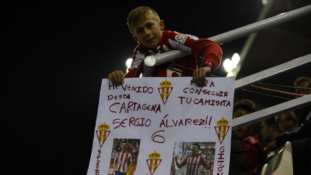 Andrés, el niño de Cartagena que es fanático del Sporting