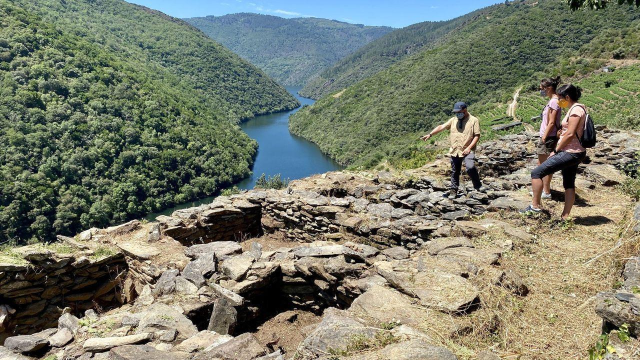 En el yacimiento medieval de Os Conventos, en A Pobra do Brollón, se llevó a cabo una nueva campaña de excavaciones arqueológicas