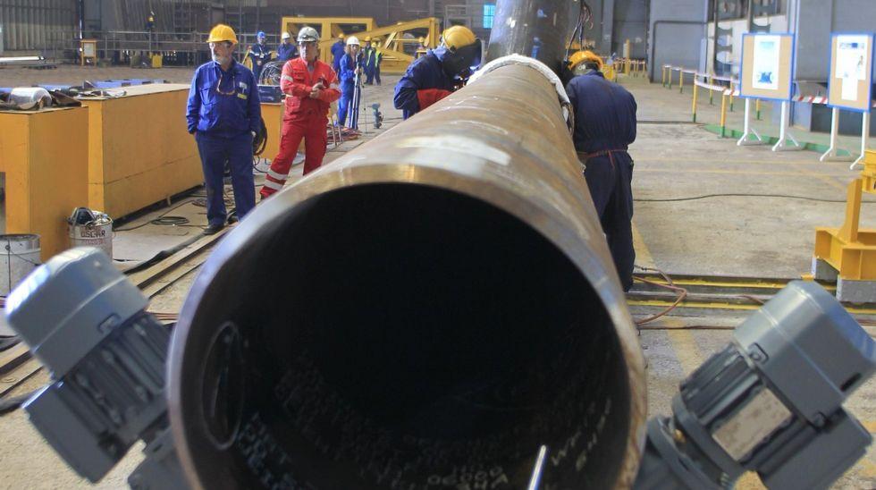 La primera pieza de transición tiene 7,5 metros de altura y pesa unas 167 toneladas.