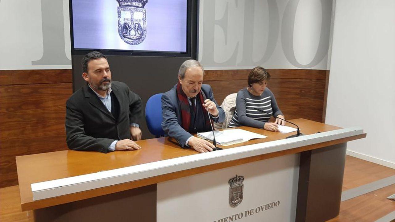 El presidente de Otea, José Luis Álvarez Almeida.Los concejales del PSOE de Oviedo Ricardo Fernández, Wenceslao López y Ana RIvas