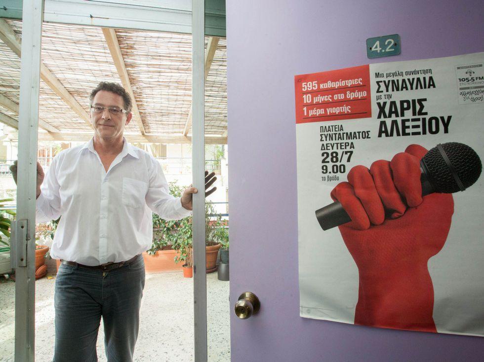 La jornada electoral en Grecia.Arvanitis fue despedido de la televisión pública.
