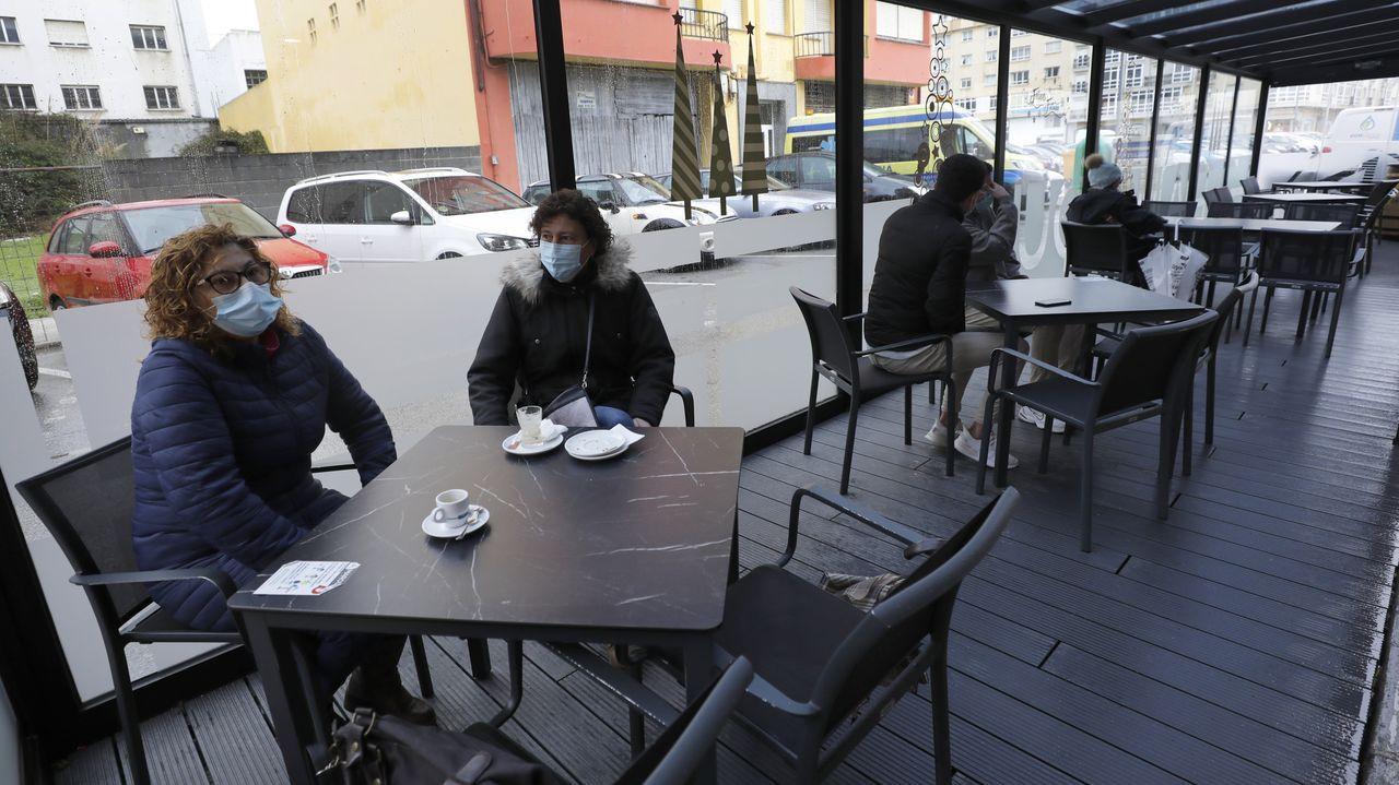 Un local hostelero el 4 de diciembre, en Burela, donde los empresarios del sector no pagarán tres meses de terrazas