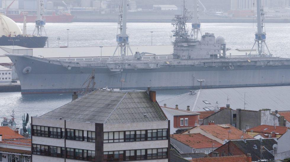El portaviones en su ubicación actual.