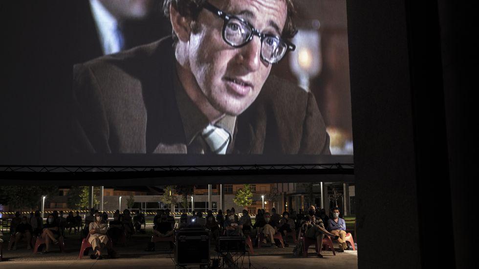 libros.Unha de Woody Allen foi a elixida para pechar o ciclo de cinema na praza