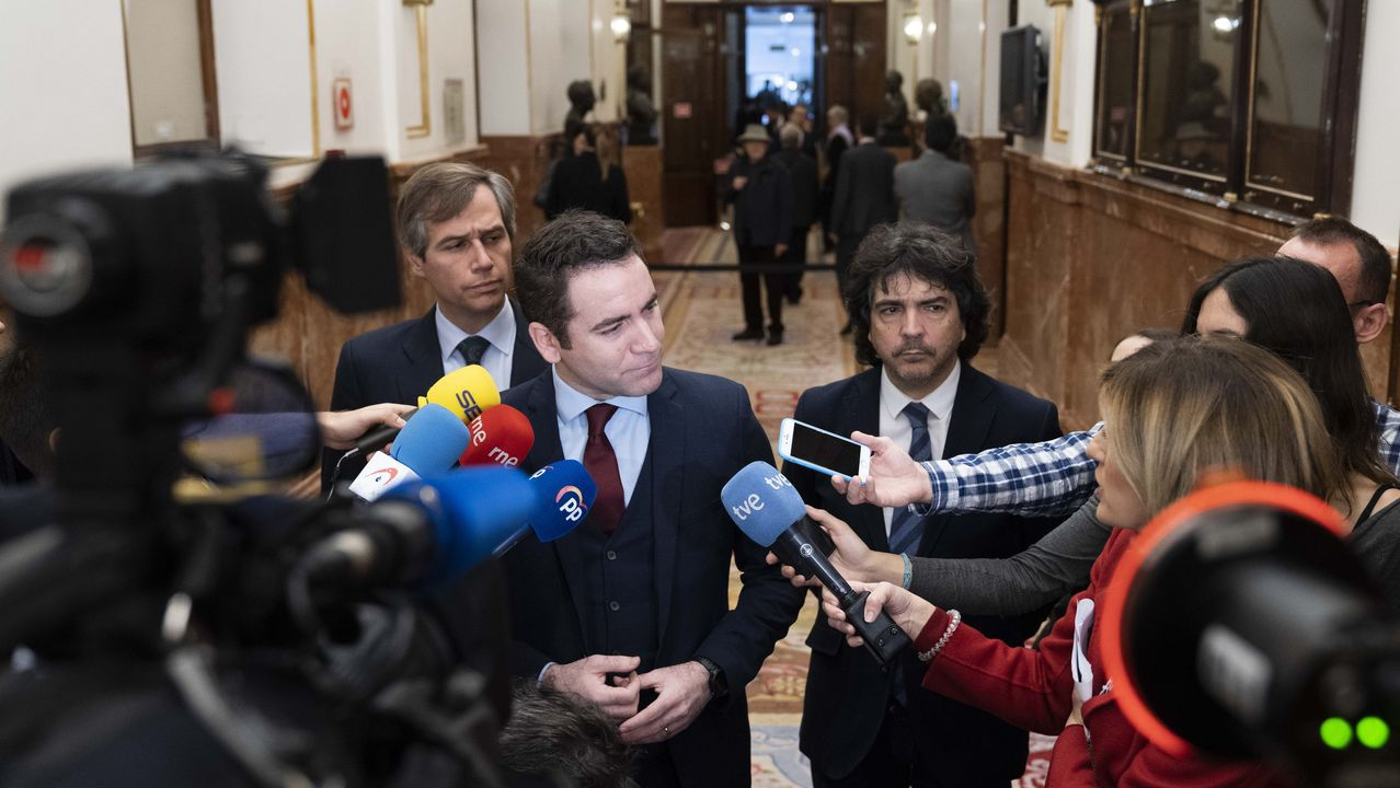 Rajoy: «Hasta para declarar la independencia hay que ser serios».El secretario general del PP, Teodoro García Egea, este sábado, durante la jornada de puertas abiertas que se celebra en el Congreso de los Diputados