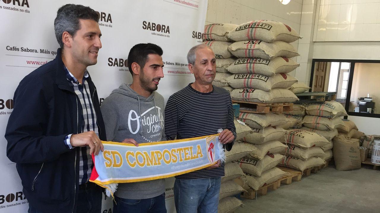 Los jugadores del Oviedo celebran el 1-0 al Lugo