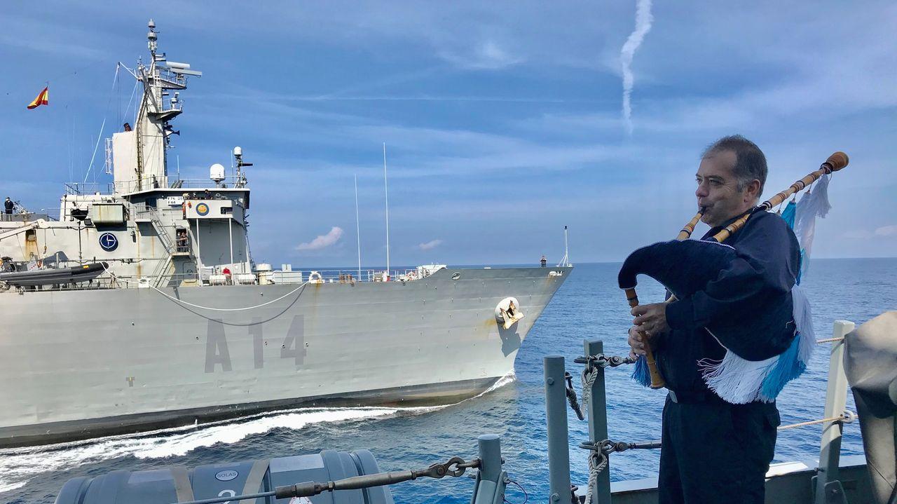Lafragata Cristóbal Colón inicia un depliegue de cinco meses con la OTAN.Recibimiento desde la Álvaro de Bazán al buque logístico a su incorporación a la fuerza naval