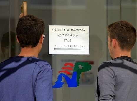 La Voz.Un cartel advertía ayer en el Nicolás Peña de que las donaciones estaban paralizadas.
