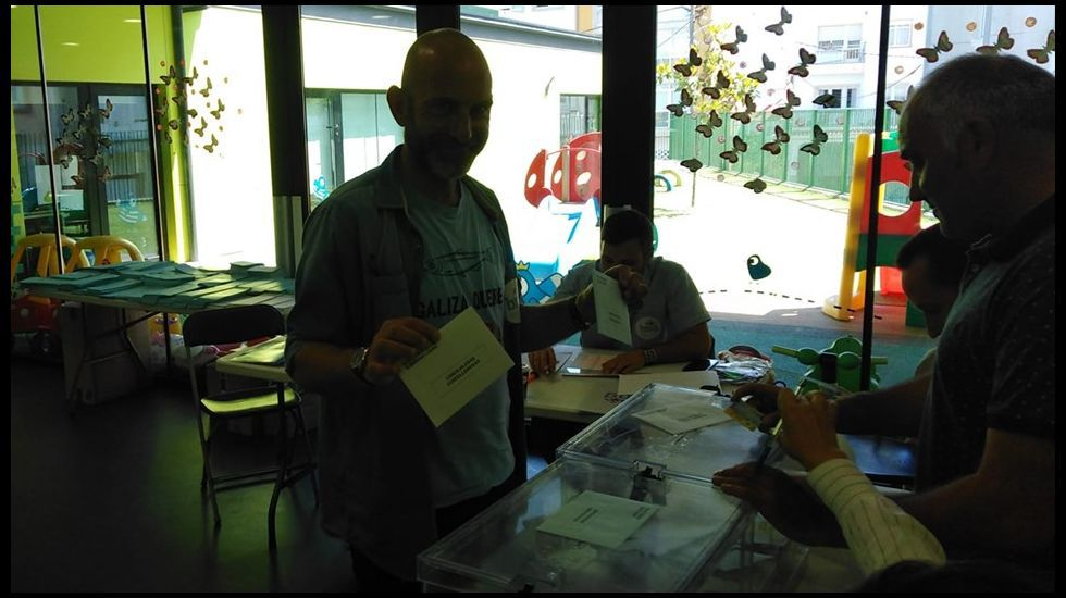 Votación de Xan Carlos Sar (BNG) en Fisterra