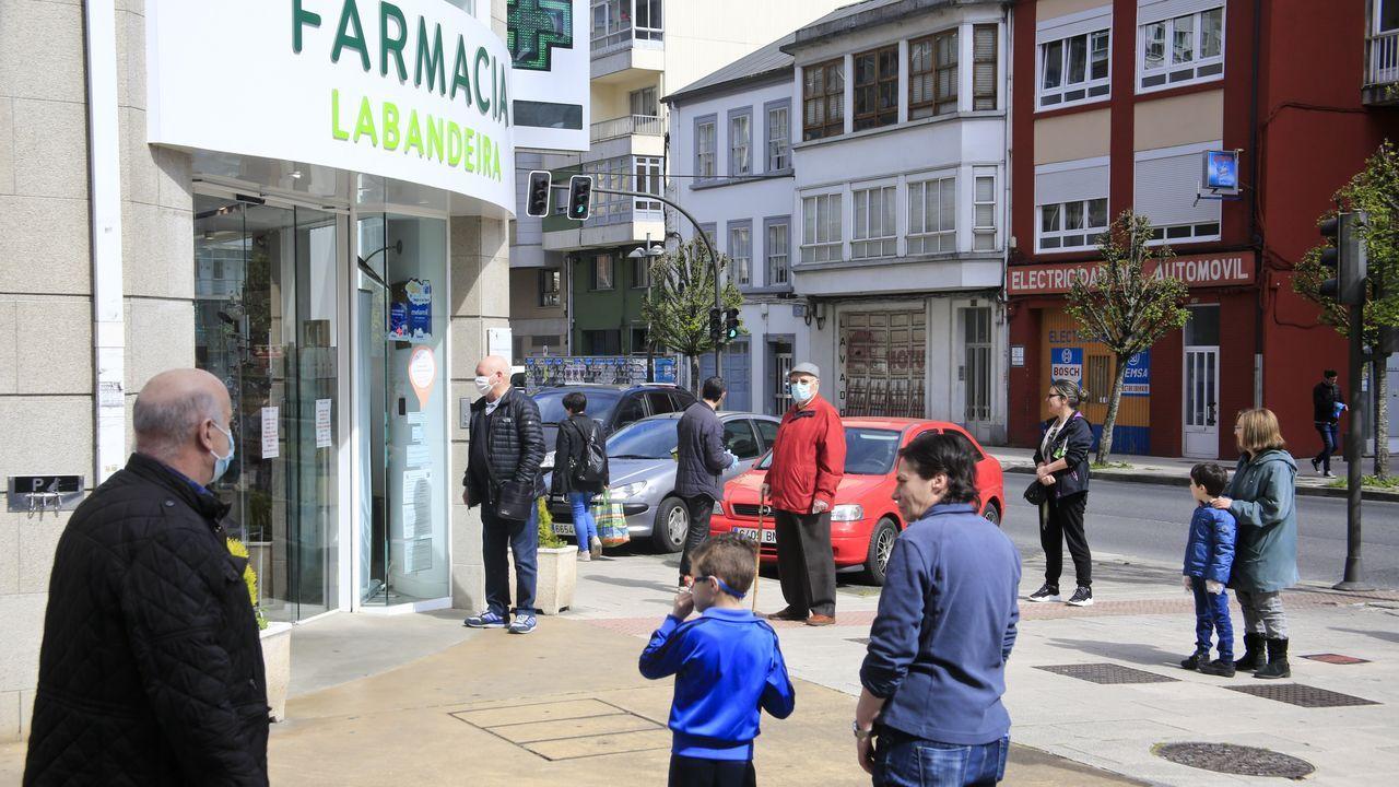 Cola en la farmacia de Lugo