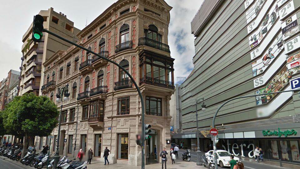 Las grandes compras inmobiliarias de Amancio Ortega.La última adquisición de Ortega ha sido el edificio de Apple en Valencia, por el que ha desembolsado 23,5 millones