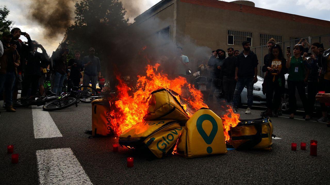 Las imágenes de la segunda jornada del AF7.Ernest Maragall, de ERC, durante la jornada electoral del 26M