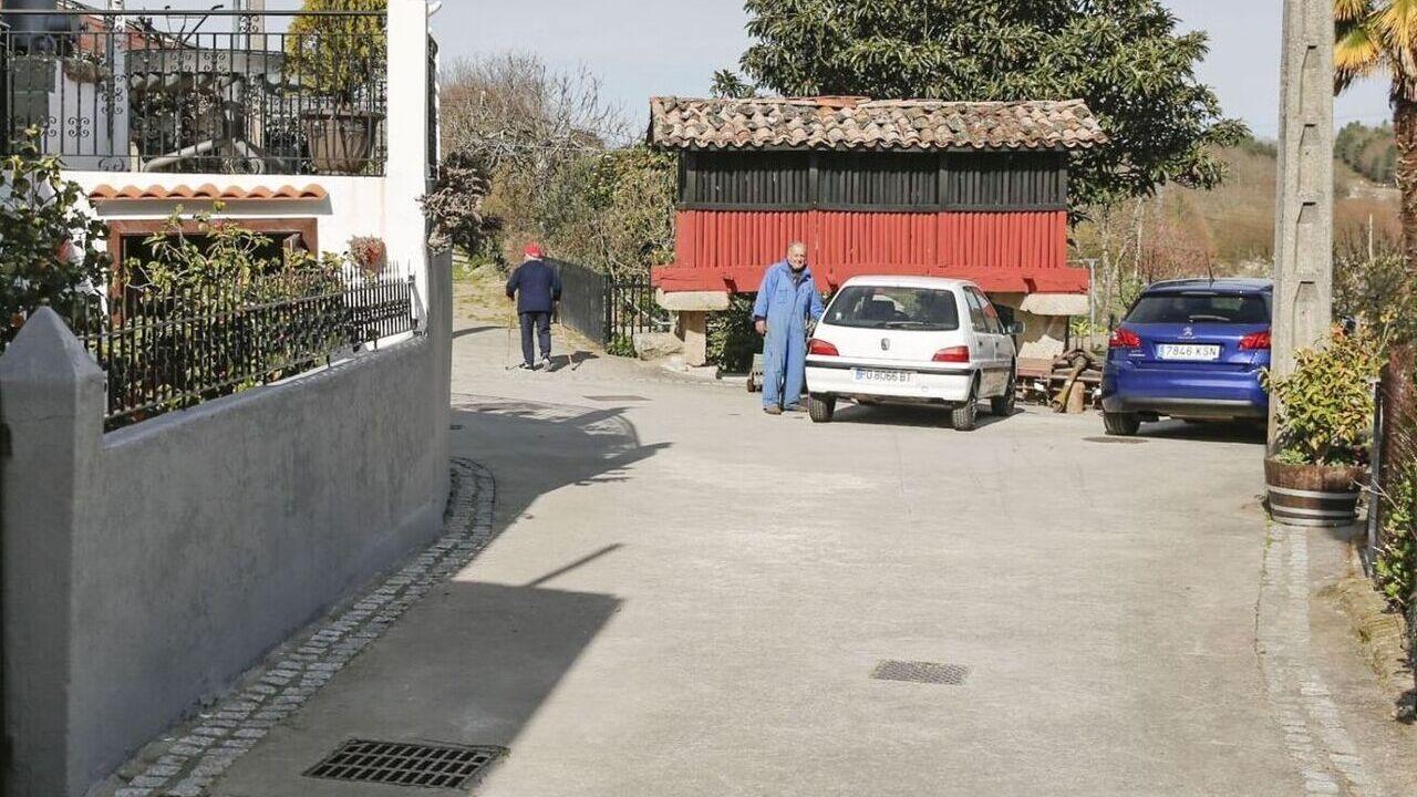 Argimiro Marnotes dimite como concejal del PP en O Carballiño.La alcaldesa autorizó al falso policía a usar un vehículo de Protección Civil con el que se presentó a los vecinos