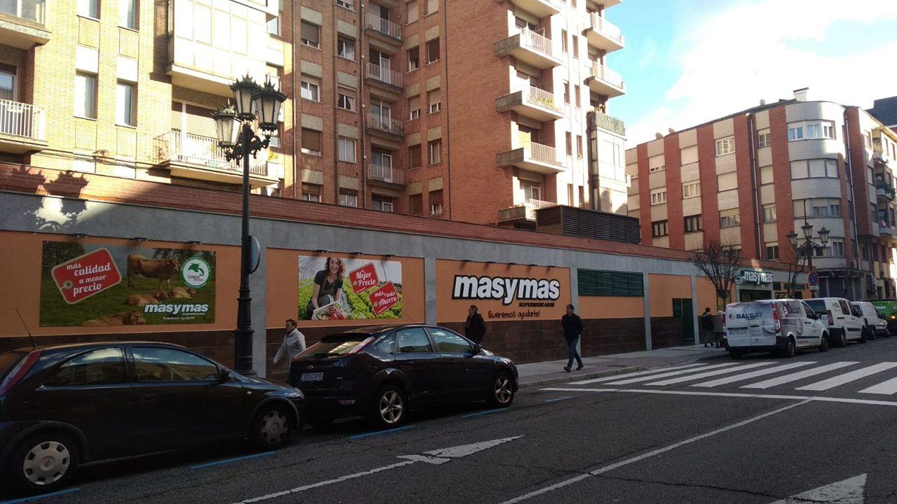 Teléfono móvil.Nuevo supermercado de Masymas en Oviedo