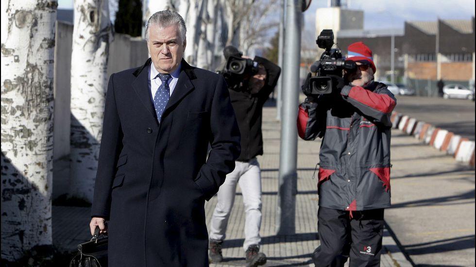 Bárcenas: «No he recibido absolutamente nada del señor Correa ni para mí ni para el PP»
