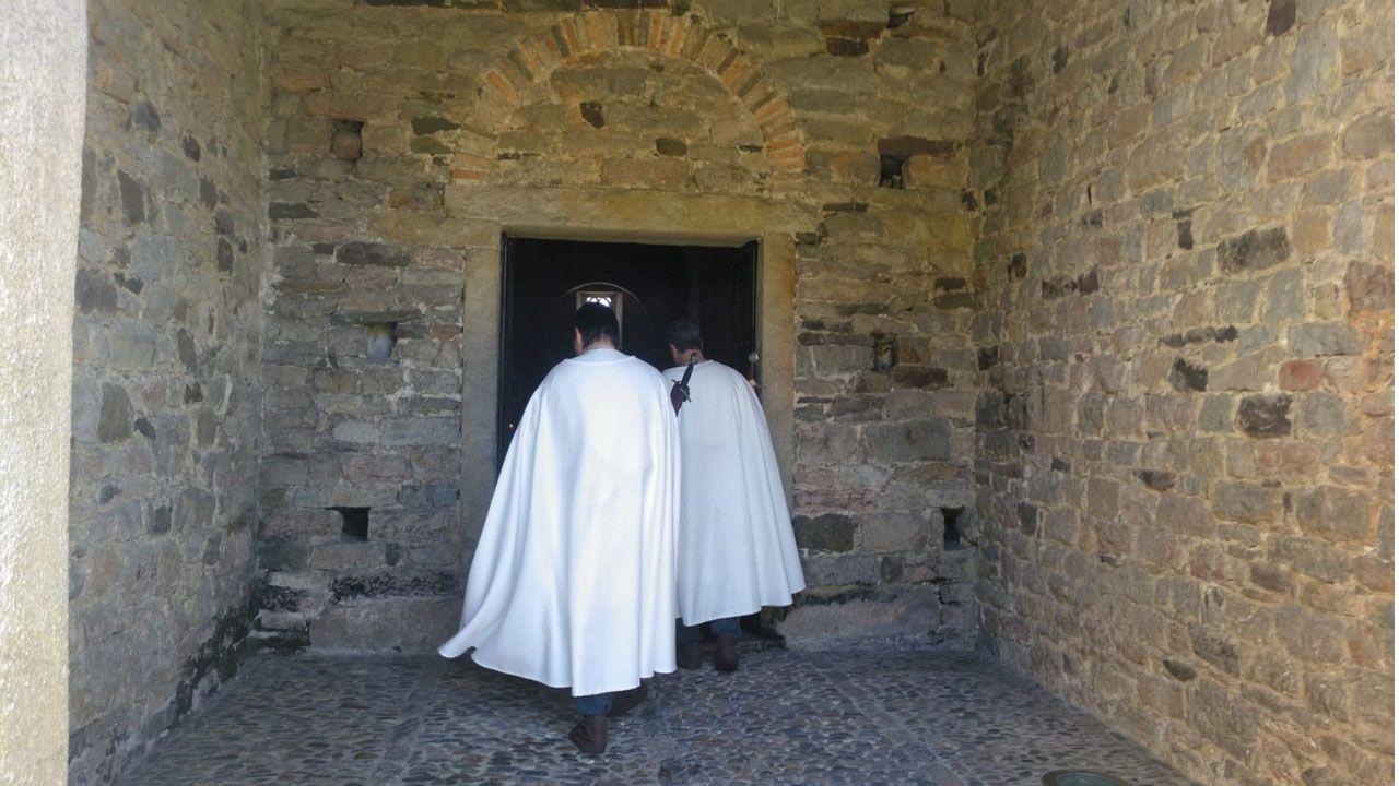 Un momento del rodaje de «Los caballeros de la Orden de Santiago», en San Pedro de Nora (Las Regueras)