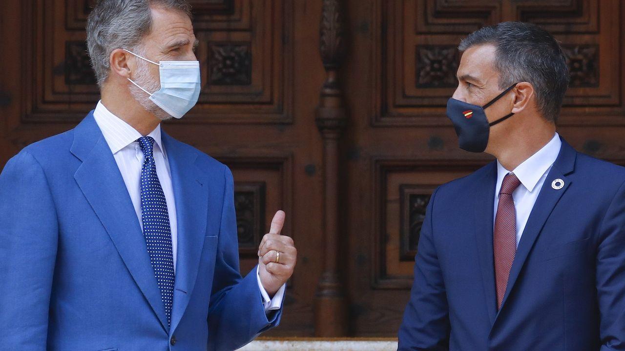 El rey reaparece en la Pascua Militar.Felipe VI y Pedro Sánchez, el pasado mes de agosto en la audiencia celebrada en Mallorca.