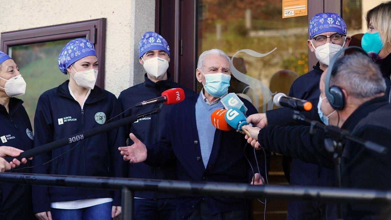 Inocencio Corbal, primer vacunado contra el covid en la provincia de Ourense