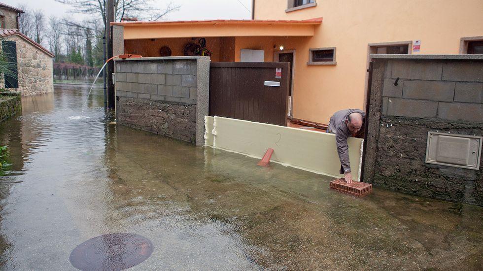 Casa anegada en Lamas, Extramundi (Padrón)