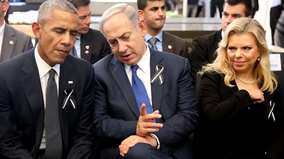 El primer ministro israelí, Benjamin Netanyahu habla con su homólogo estadounidense, Barack Obama