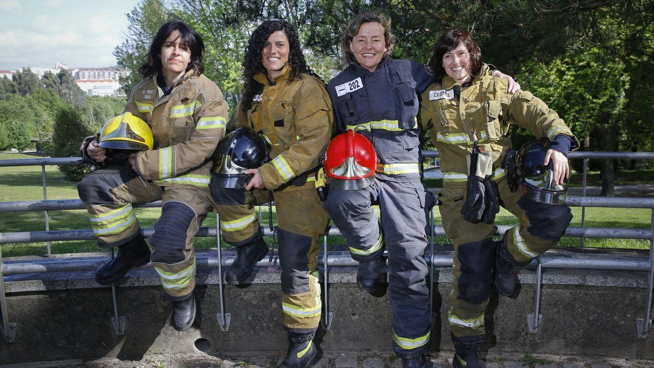 Los bomberos de Vigo, casi un año de protesta.Cuatro profesionales gallegas reunidas por La Voz en el 2018: «Ojalá seamos más bomberas»