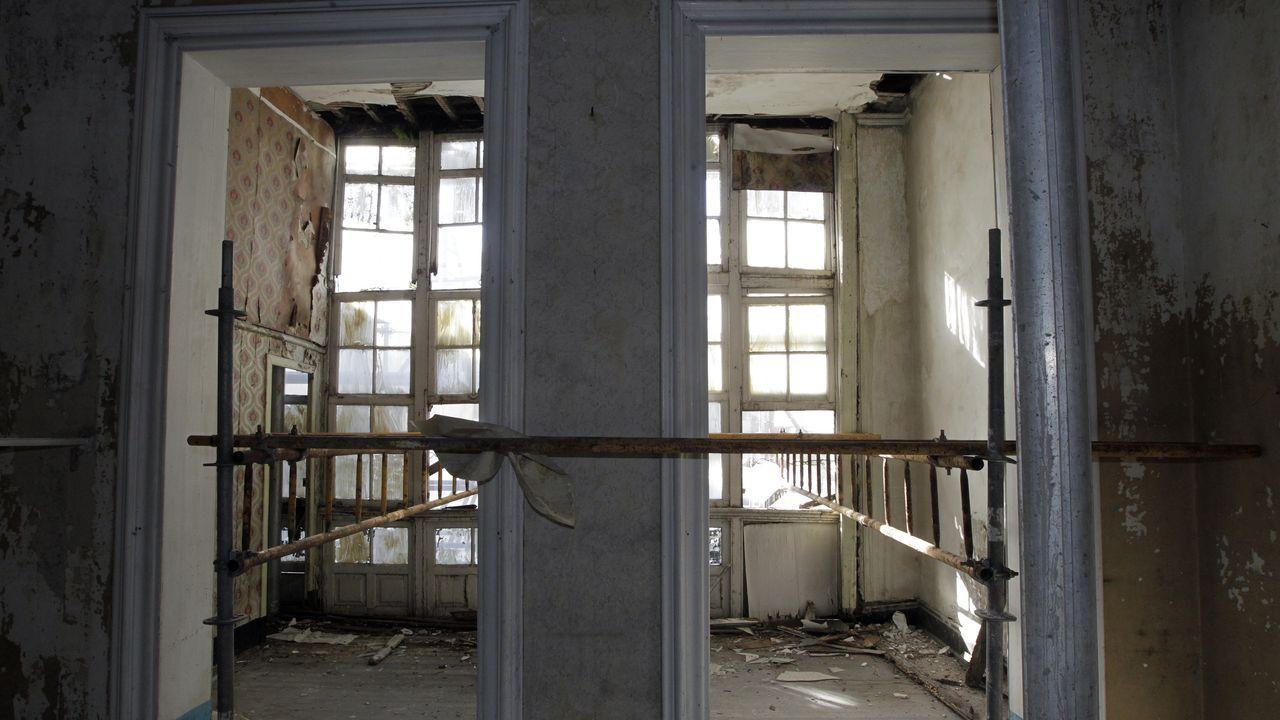 Un inmueble histórico que dará paso a seis viviendas de lujo.El arquitecto Manuel Gallego Jorreto en el auditorio de A Illa de Arousa, en el 2018