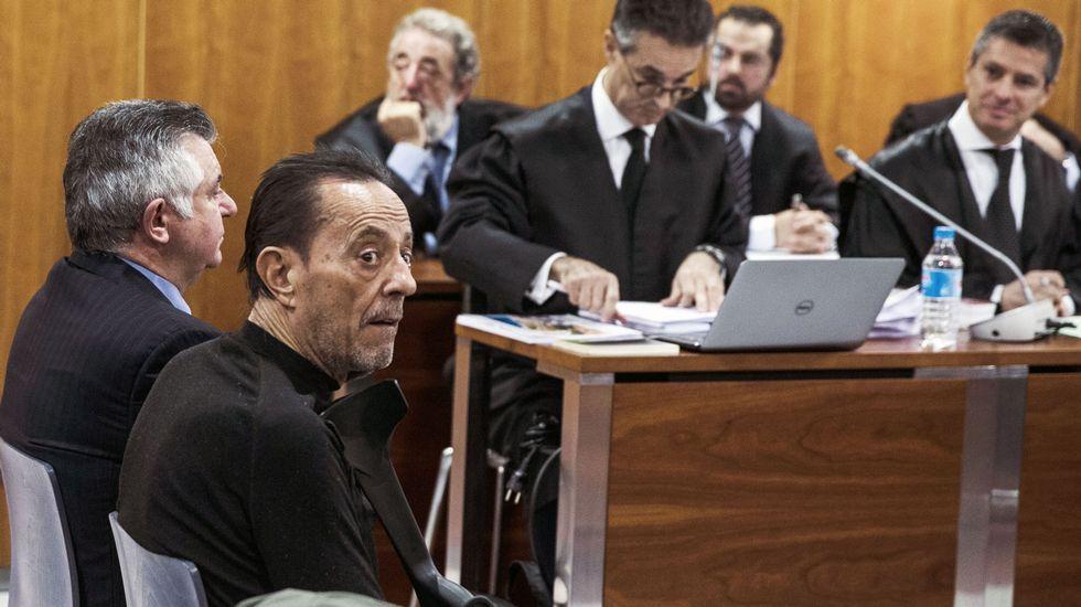 Julián Muñoz sale de la cárcel.Vista de la sala donde se juzga el caso Goldfinger