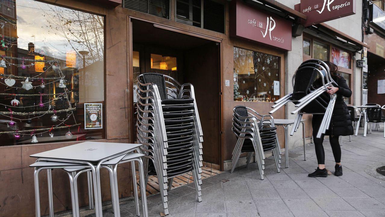 Una cafetería de A Coruña cerrando a las 18.00 horas