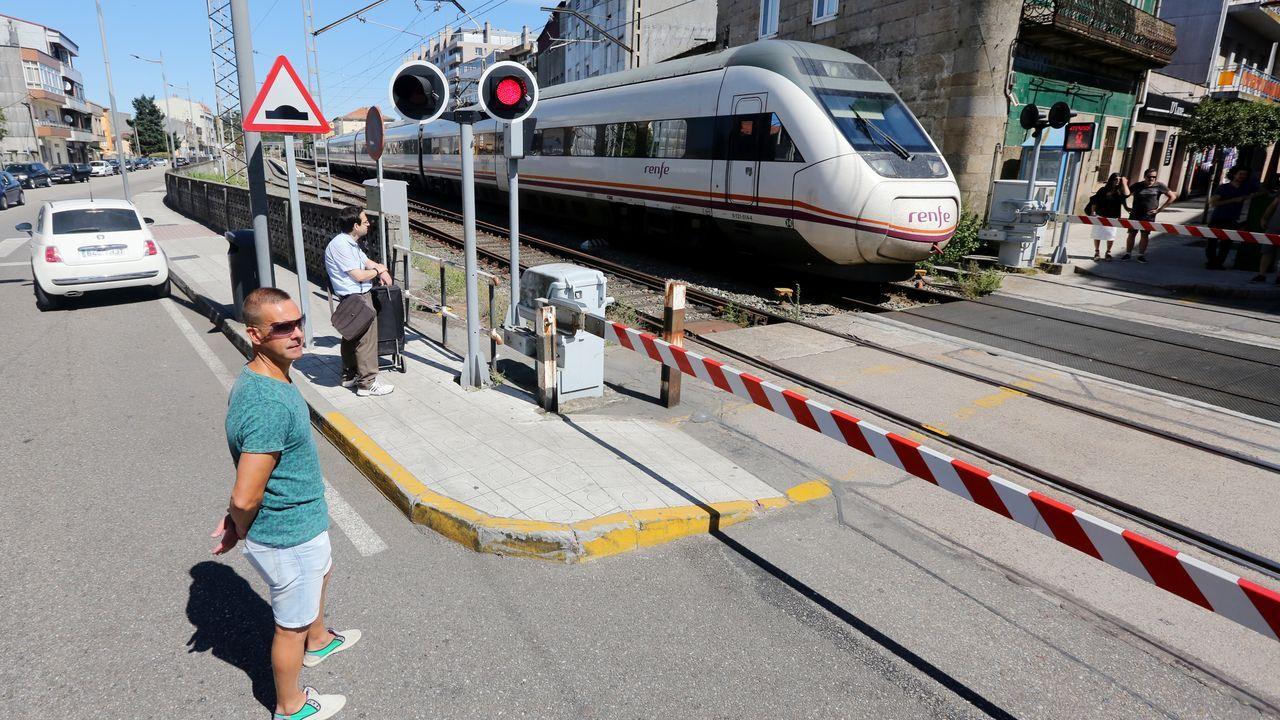 El tramo del AVE que ahorrará 50 minutos en el viaje a Madrid se abrirá «en pocos meses».El edificio de la antigua casa de socorro queda libre para su futura transformación en comisaría