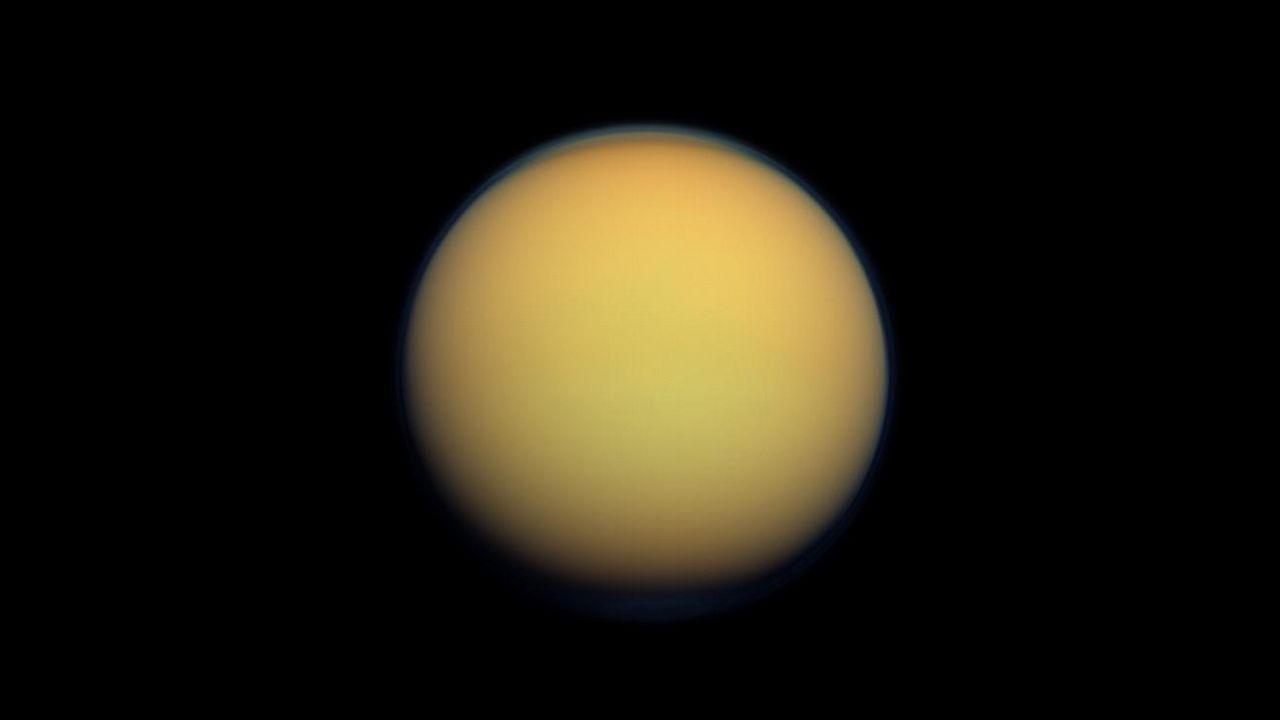 Titán, a lúa de Saturno compatible coa vida