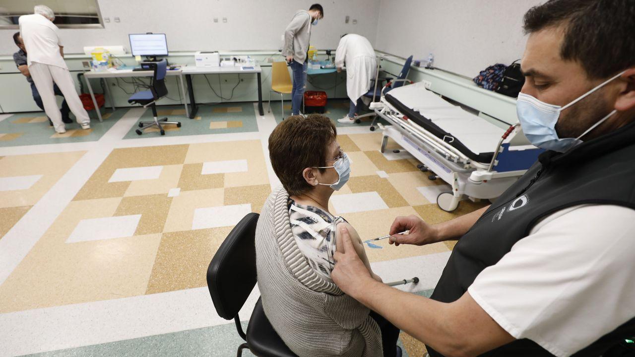 El Sergas prevé continuar vacunando esta semana a mariñanos de entre 50 y 79 años