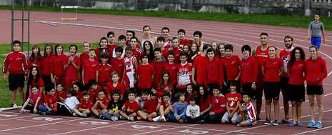 Algunos de los integrantes de la Agrupación Deportiva Fogar da Xuventude.