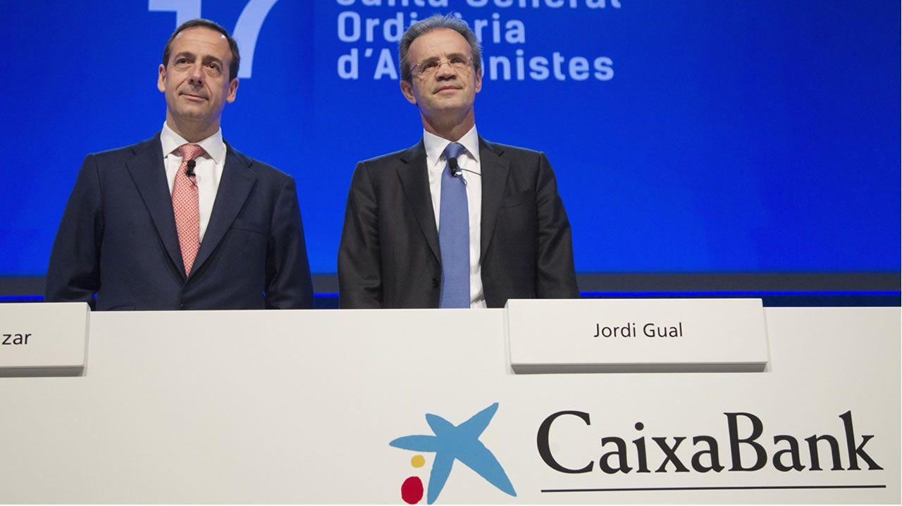 El consejero delegado de CaixaBank, Gonzalo Gortázar, y el presidente de CaixaBank, Jordi Gual