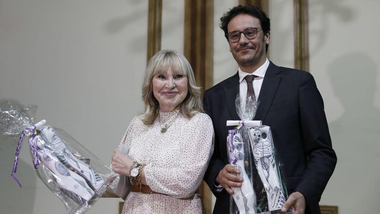 María Antonia Rilo y la Rede Galega contra a Trata Sexual, representada por Carlos Villar, recibieron los XIV Premios Clara Campoamor del Concello de Ourense