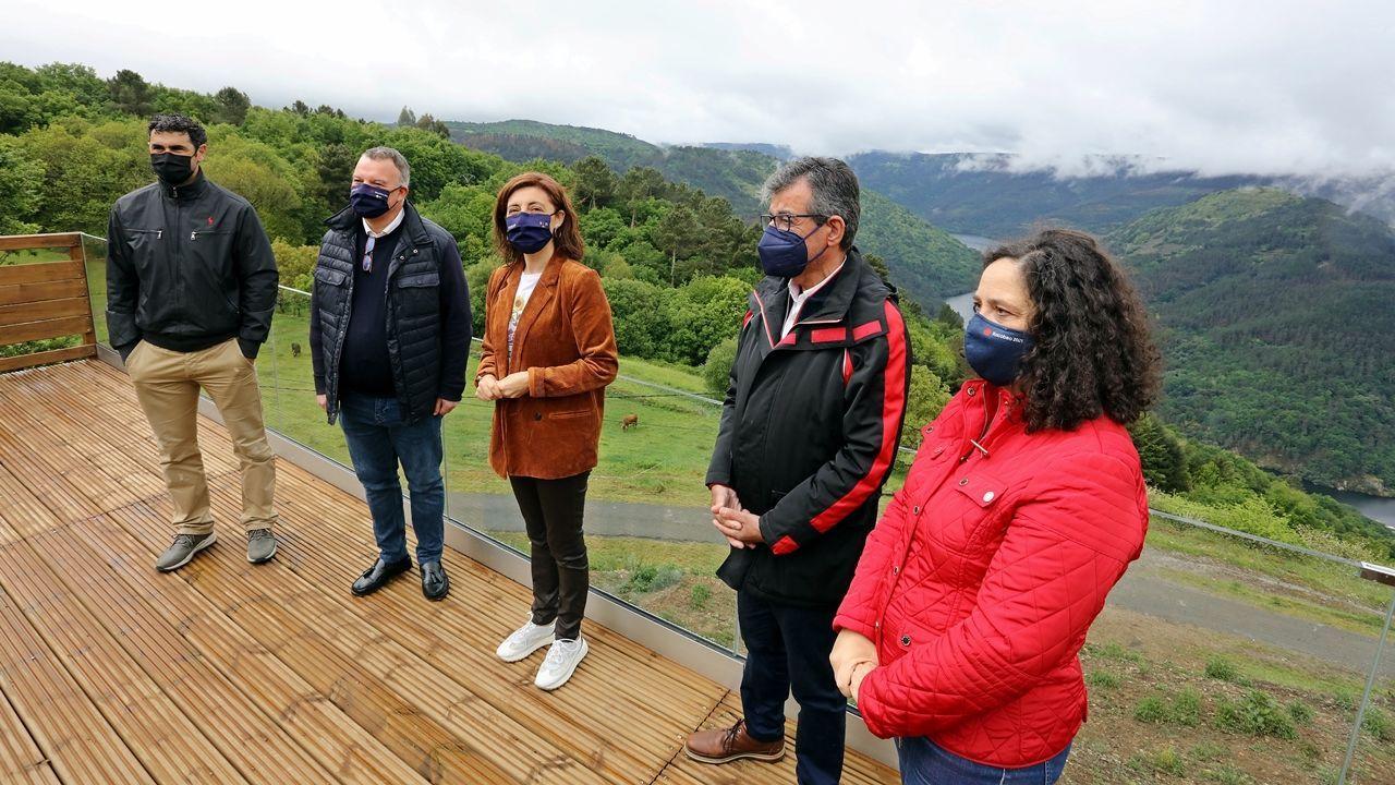 La conselleira de Medio Ambiente, Territorio e Vivenda, Ánxeles Vázquez, visitó O Saviñao este domingo