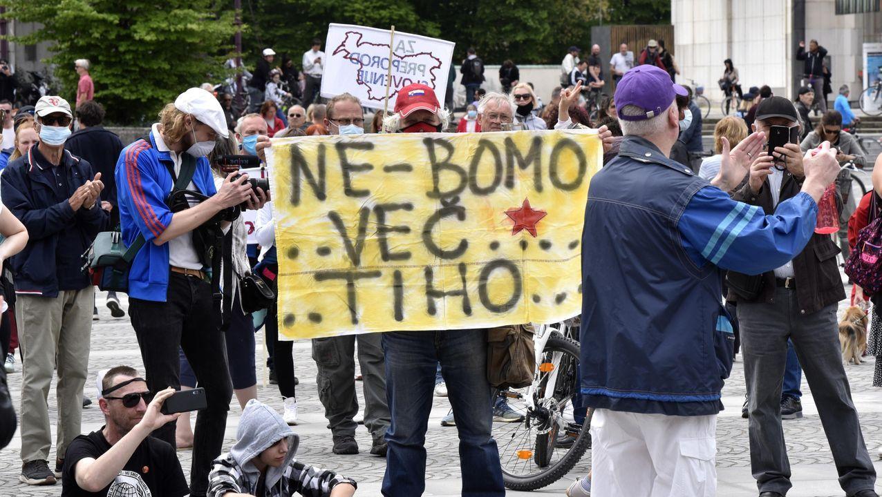 El mundose aferra a la mascarilla.Las principales protestas tuvieron lugar ante el Parlamento en Liubliana
