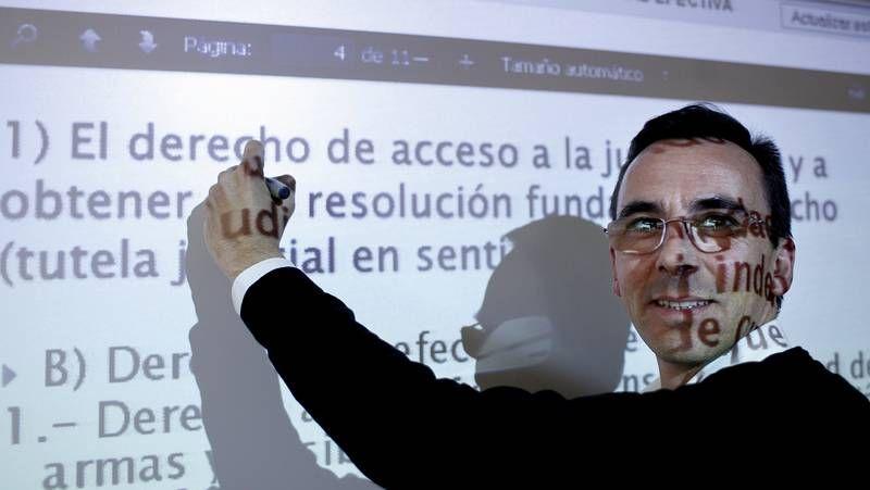 Imagen de archivo de una visita de escolares durante este curso a la biblioteca municipal Varela Jácome.