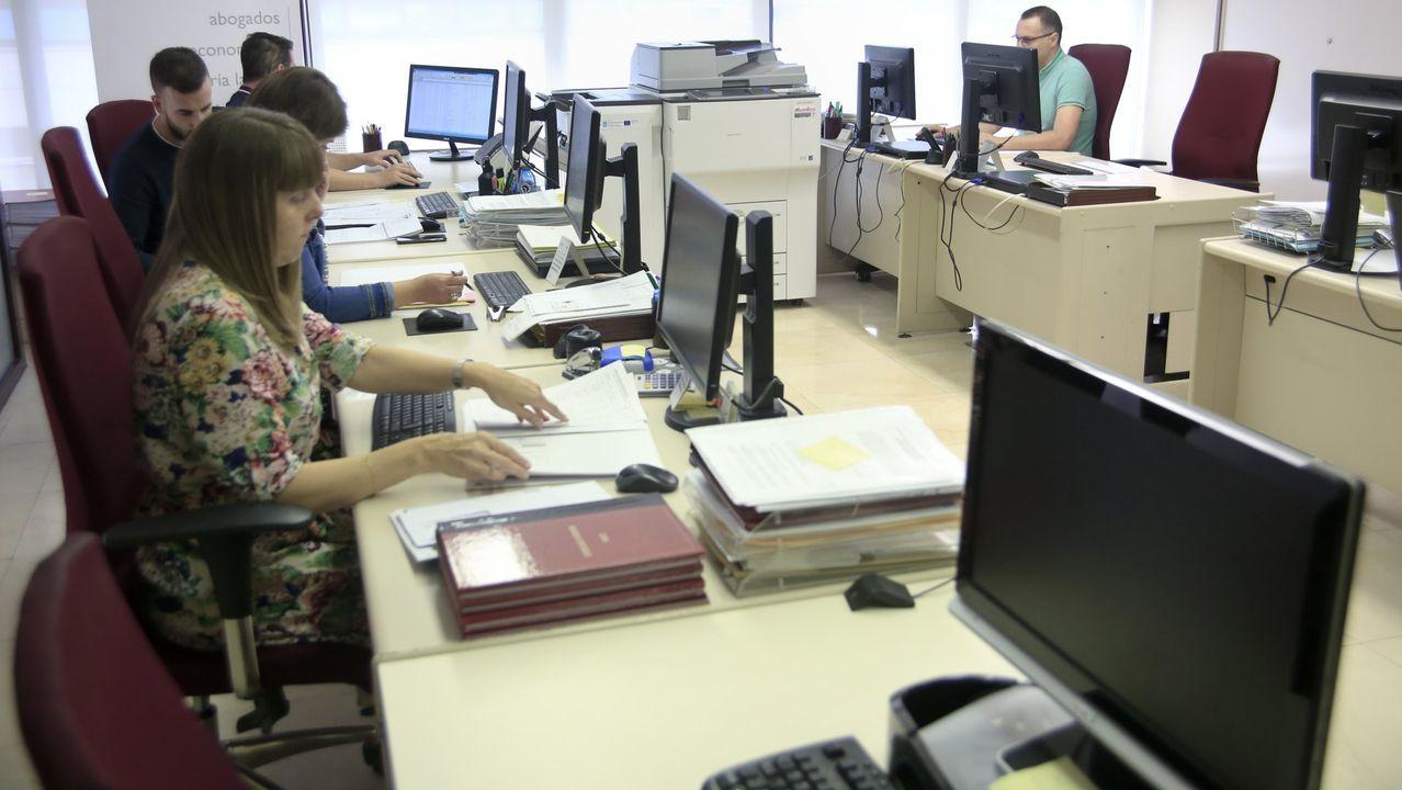 Las gestorías- en la imagen, de archivo, una empresa del sector- están desbordadas con la normativa del Gobierno en el estado de alarma