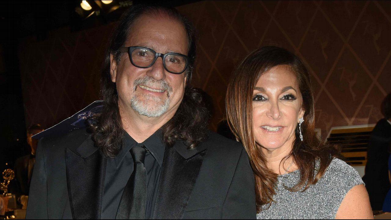 Emmy 2018:  Glenn Weiss se declaró a su novia tras recibir el premio