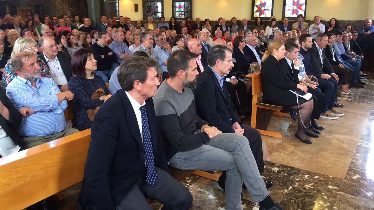 Distintas personalidades y amigos despiden a Emilio Huerta «Triqui» en una  ceremonia civil celebrada en Oviedo