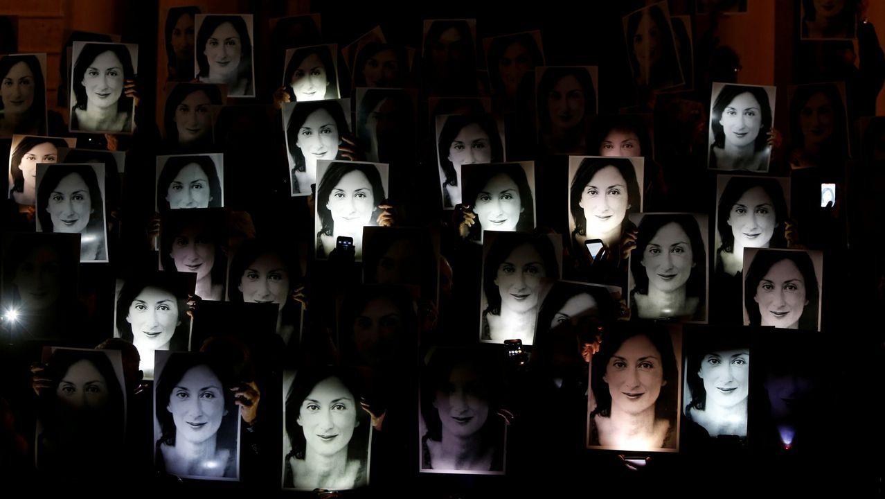 La Asociación de la Prensareivindicasus derechos en Oviedo.Imágenes de la periodista maltesa Daphne Caruana Galizia, durante una protesta por su asesinato, en La Valetta