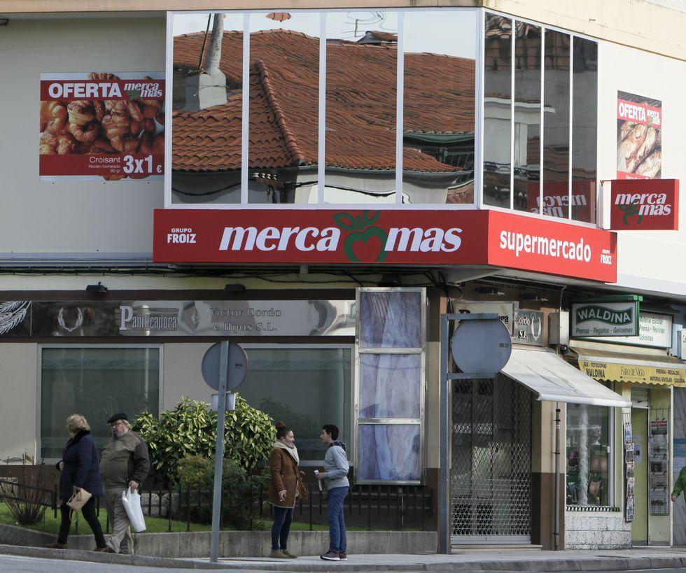 Todas las imágenes de la Festa da Filloa.El supermercado funciona ya en la antigua sede.