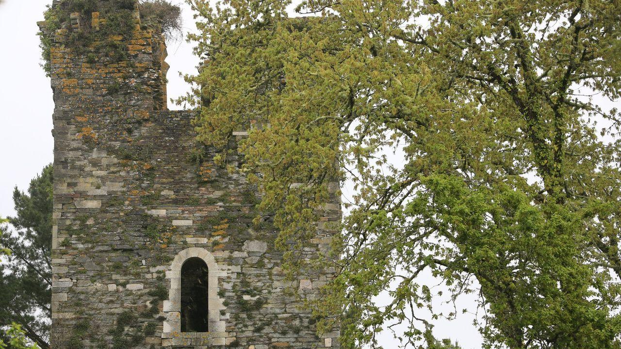 Lugares para visitar en Lugo en un día gris.La torre está situada en la parroquia de Pino (Cospeito)