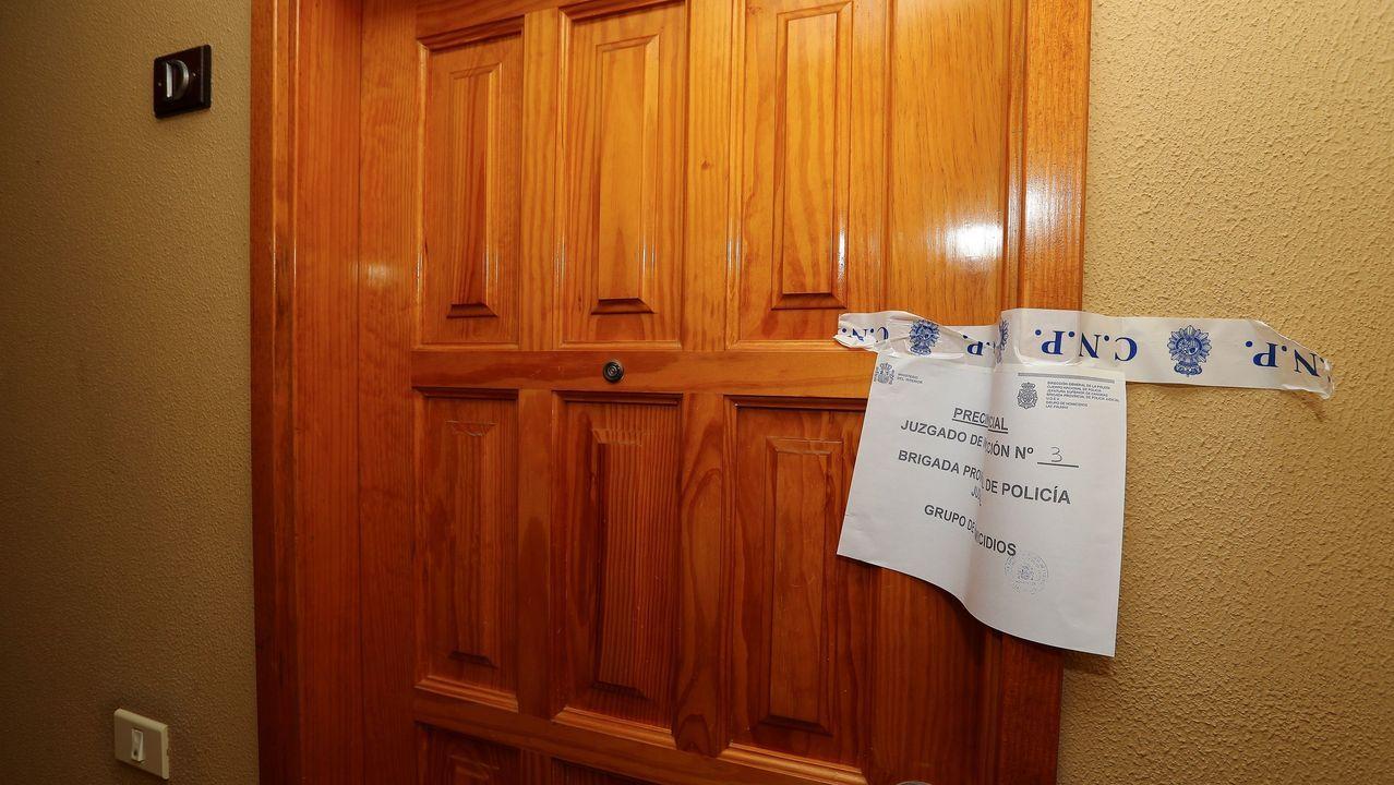 Puerta de la vivienda en la que se produjo el crimen