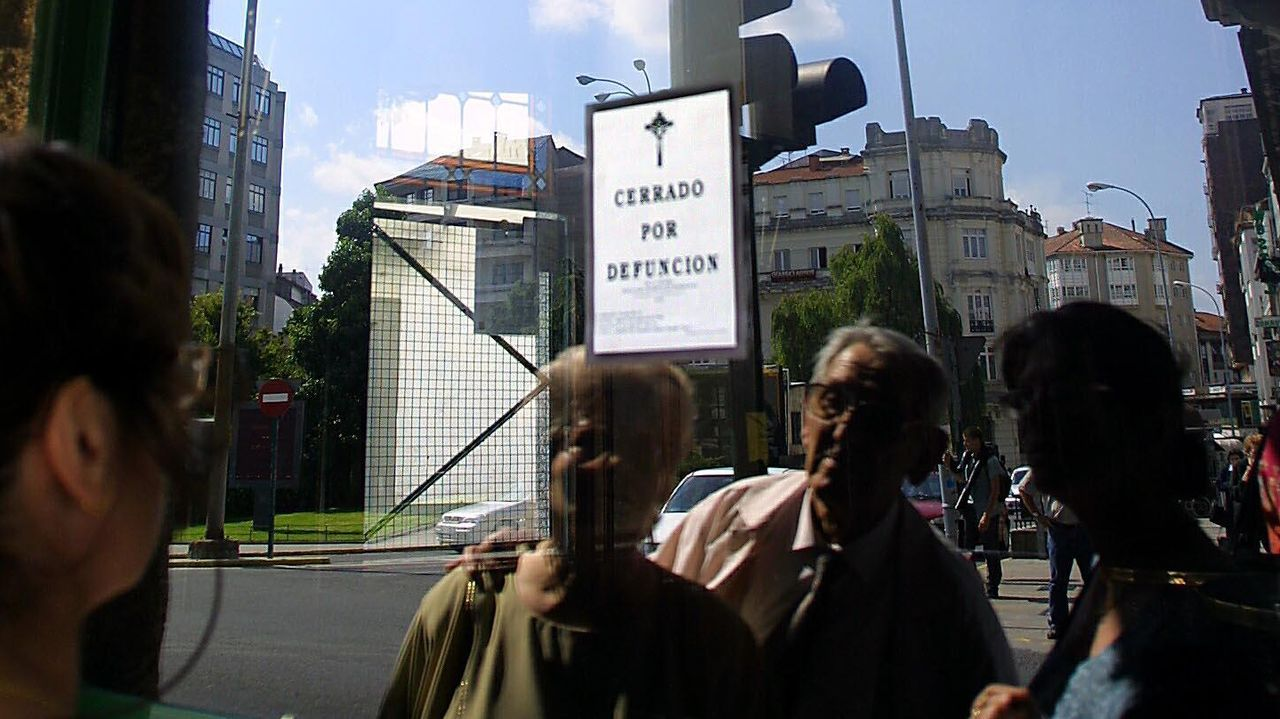 Cerrado por defunción el 9 de agosto de 2001