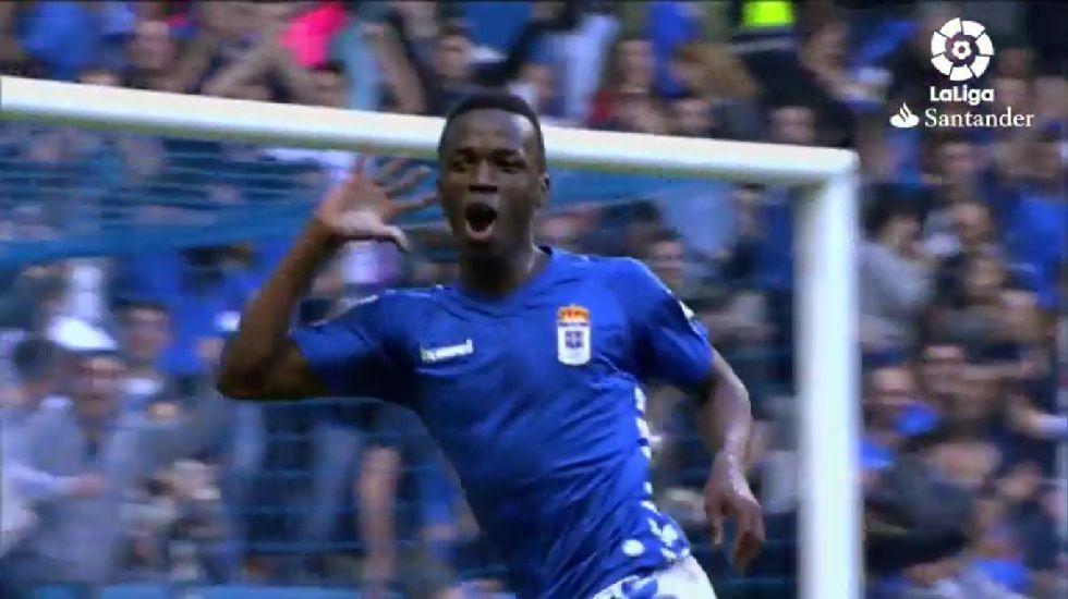 Koné celebra un gol en el Carlos Tartiere