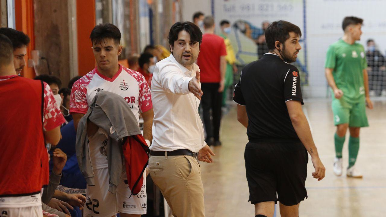 Tejera Real Oviedo Logroñes Carlos Tartiere.Javi Cueto, durante un encuentro del Vetusta